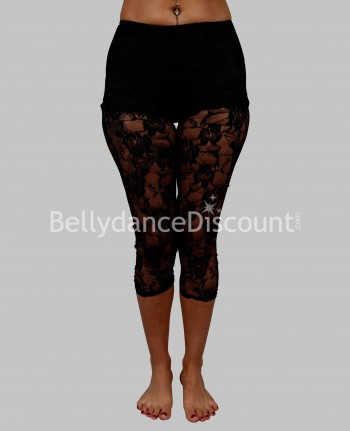 Capri pants in black lace